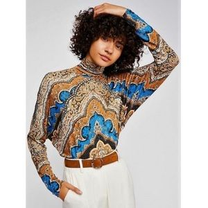 ✨HP✨ Free People Chase Me Patterned Turtleneck Top